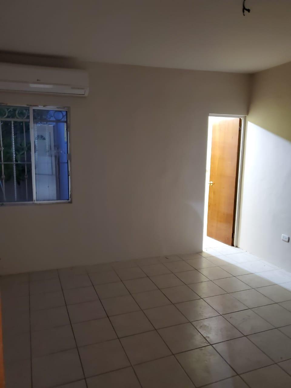 Renta de Casa, Fracc. Loma Bonita #112, Col. Loma Bonita Primera Etapa, Piedras Negras, Coahuila. (RC #36)