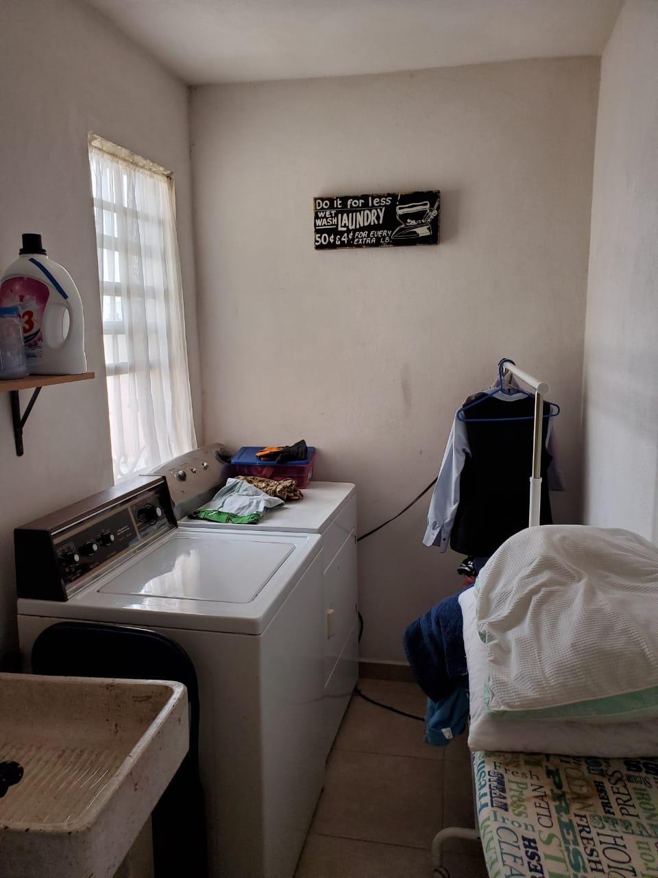 Renta Casa Residencial, Calle: Loma Alta #414 Col. Lomas del Norte (RC #53)