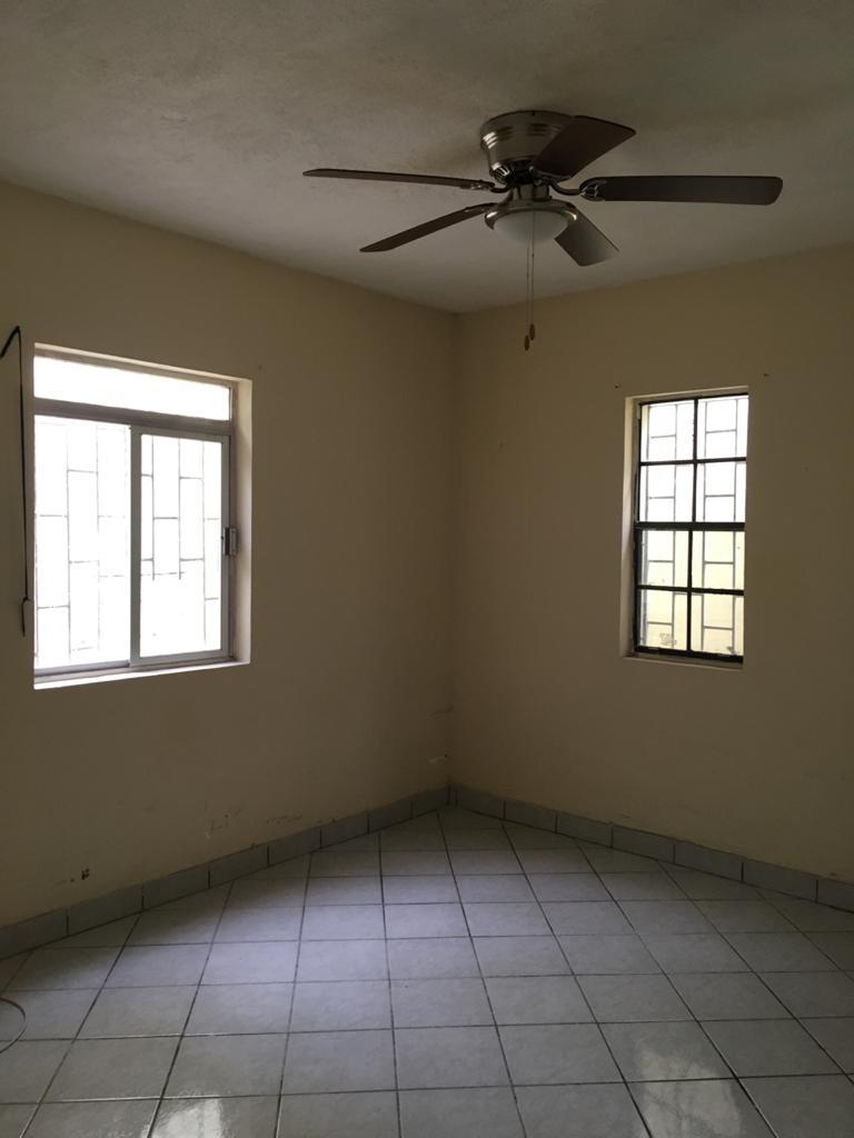 Rento Casa habitación con 3 rec y 3 baños p/ Local u Oficina, Padre de las casas Col. Centro. Piedras Negras Coahuila (RL #24)