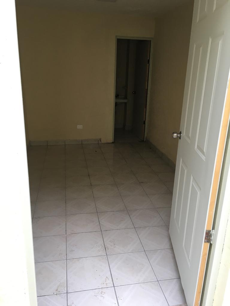 Rento habitación para estudiante o trabajador, int. Plan Baja, Padre de las casas Col. Centro. Piedras Negras Coahuila (RL #25)