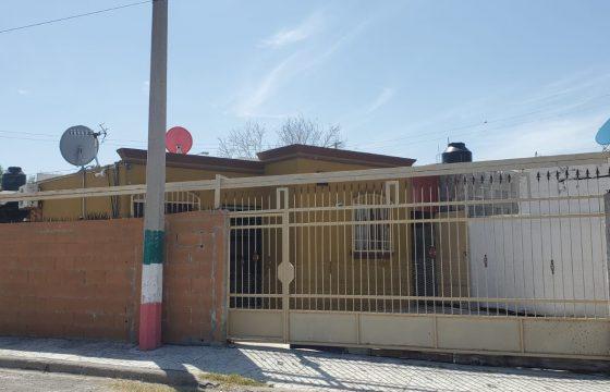 Renta casa calle Álvaro carrillo #601 col. Compositores RC #70